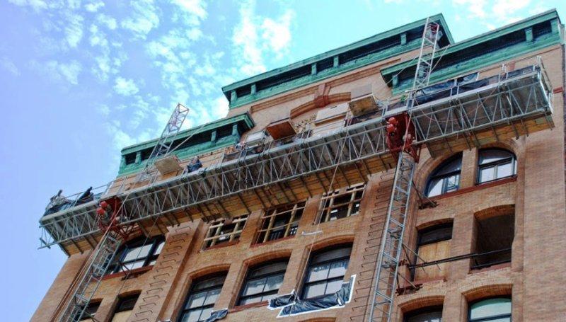 mast climbing scaffolding construction